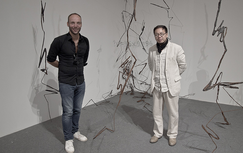 Curator Xia Kejun and Phil Akashi